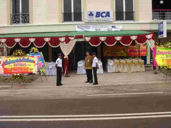 Gedung BCA Laskar Pelangi Menjelang Peresmian