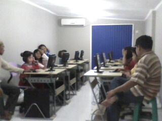 Lagi Nyobain ngeNet di Mianova.net