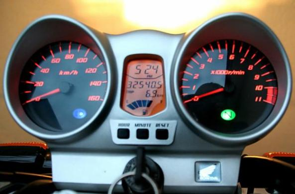 34390261_4-HONDA-CBX-250-TWISTER-2005-PRETA-COM-ALARME-IMPECaVEL-Carros-motos-e-barcos