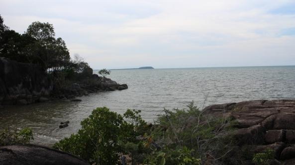 batu pertama yang menjorok ke laut