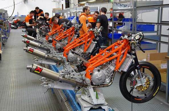 KTM-RC250R-Production-Racer-in-detail