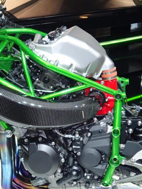 Kawasaki-Ninja-H2-EICMA-Rob-Harris-4