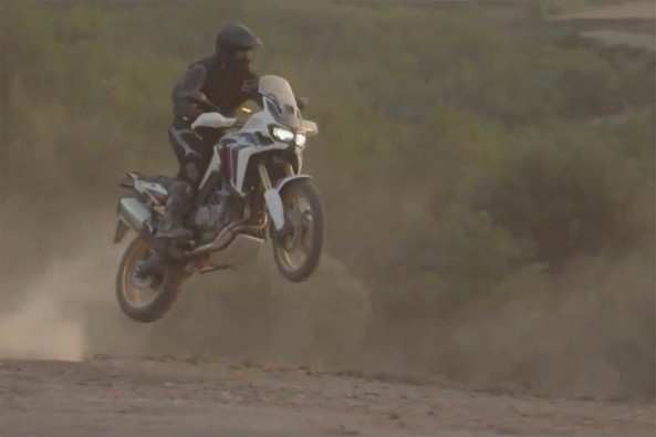 2016-Honda-CRF1000L-Africa-Twin-video-leak-01